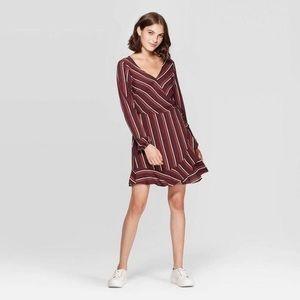 ⭐️ 4/$25 V-Neck Long Sleeve Wrap Mini Dress  XS